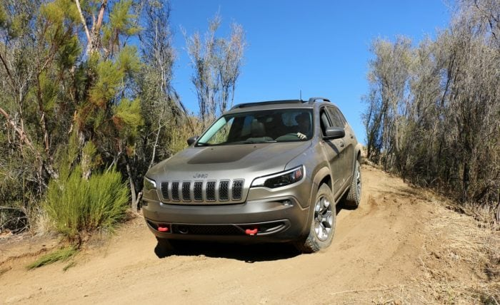 See the exterior of the 2019 Jeep Cherokee