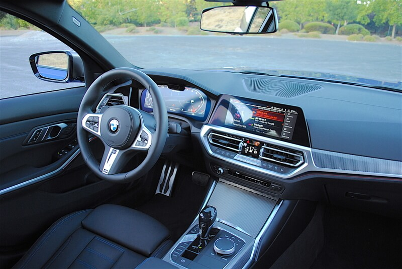 With double-stitched black leather seats, and aluminum trim, the interior of the M3401 has a sporty, purposeful feel.
