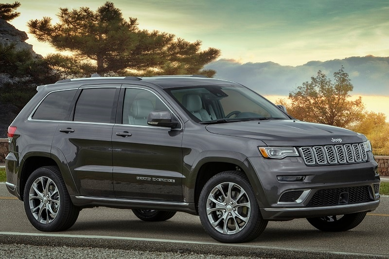 See the exterior of the 2020 Jeep Grand Cherokee Summit 4x4