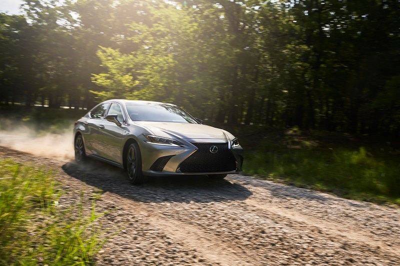 Exterior view of the 2021 Lexus ES