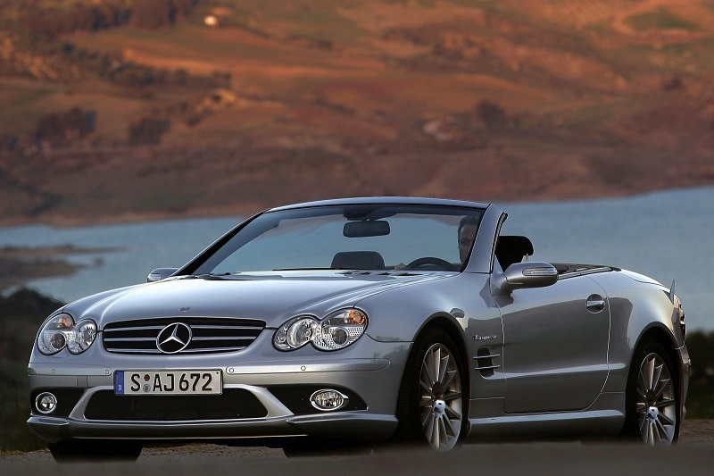 The Mercedes-Benz SL is an amazing luxury roadster