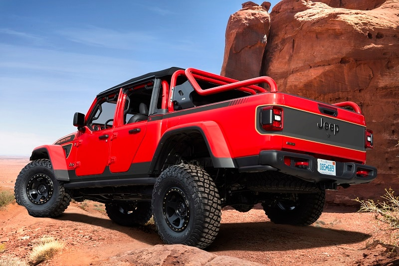 Exterior view of the Jeep Safari Red Bare concepts
