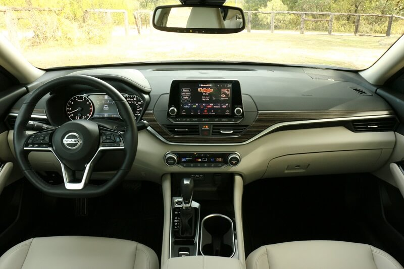 See the interior of the 2020 Nissan Altima