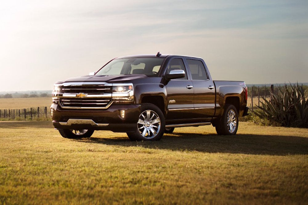 See the exterior of the 2020 Chevrolet Silverado 1500 High Country