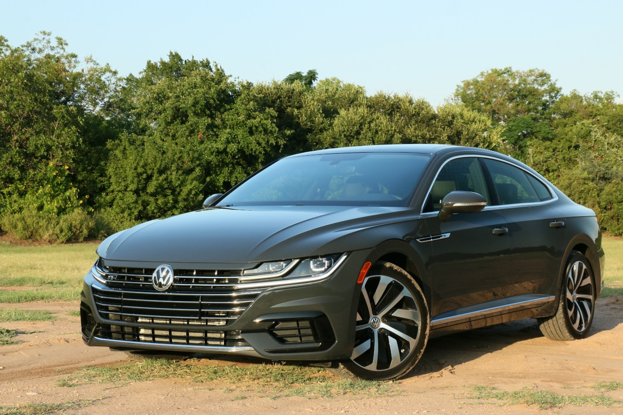 See the exterior of the 2019 Volkswagen Arteon R-Line 4Motion