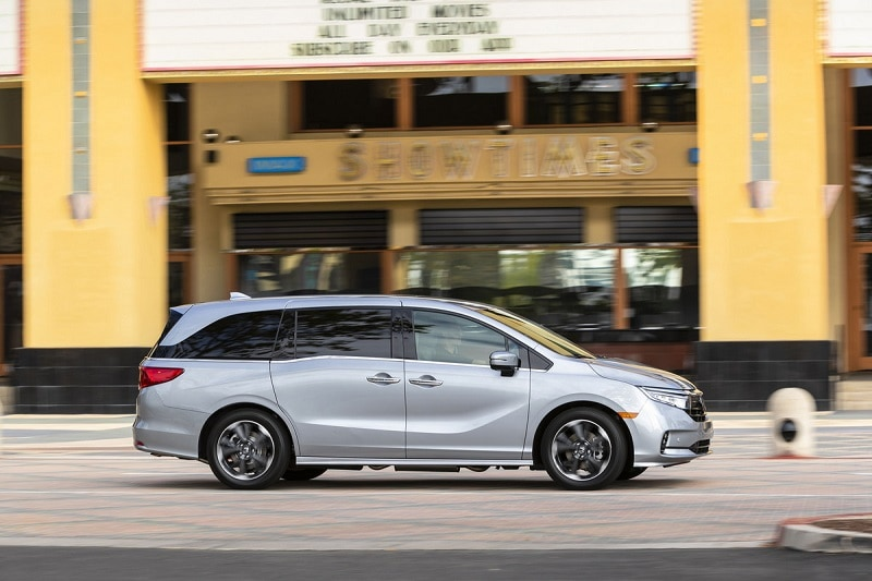 Exterior view of the Honda Odyssey Elite