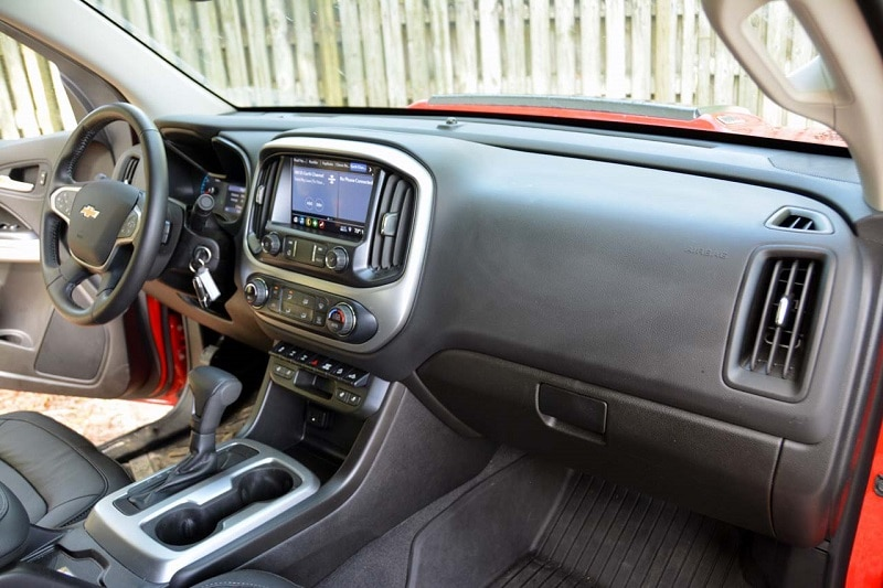 Interior view of the 2020 Chevrolet Colorado ZR2 Bison