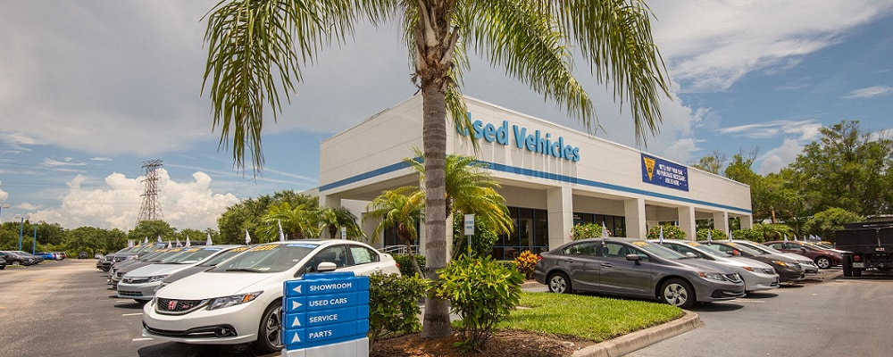 Used Honda Civic vehicles outside AutoNation Honda Clearwater