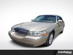 Used 2006 Lincoln Town Car Signature Limited Sedan