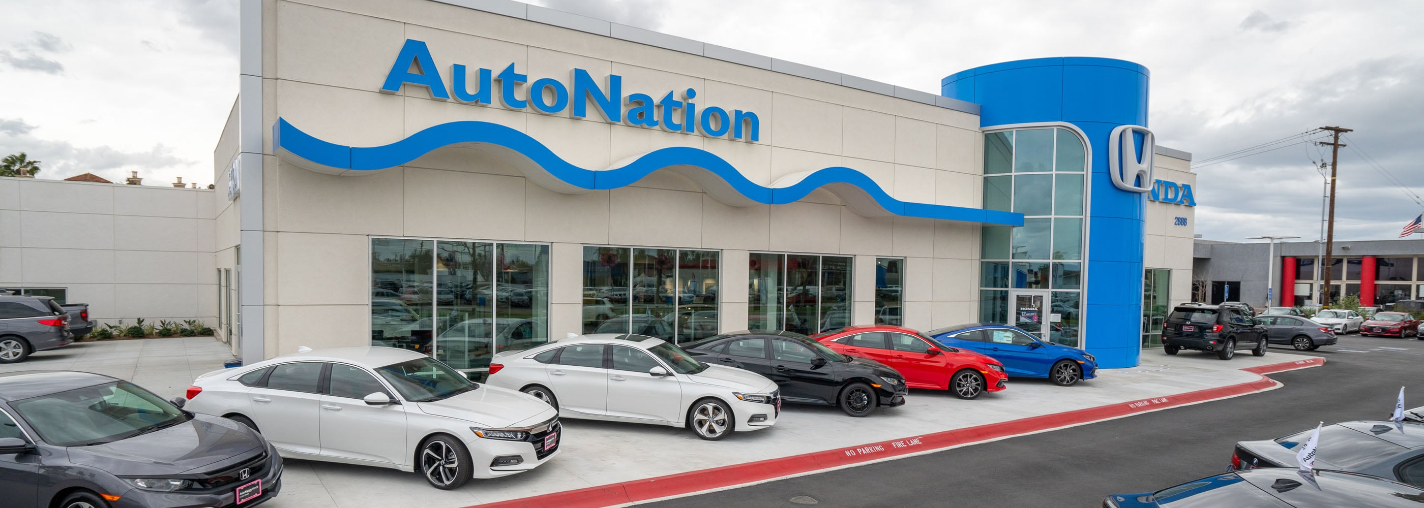 Outside view of AutoNation Honda Costa Mesa