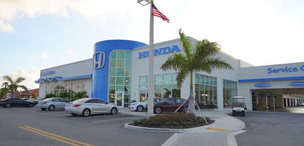 Outside view of AutoNation Honda Hollywood