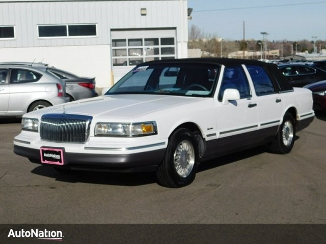 1997 Lincoln Town Car Signature 4dr Car