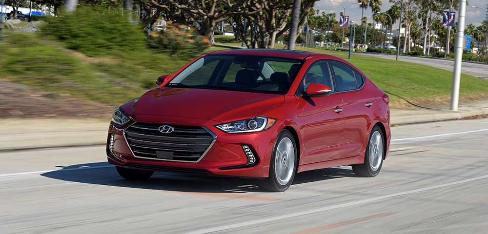 Front three-quarter view of 2018 Hyundai Elantra