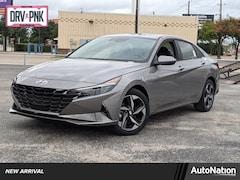 2022 Hyundai Elantra Limited 4dr Car
