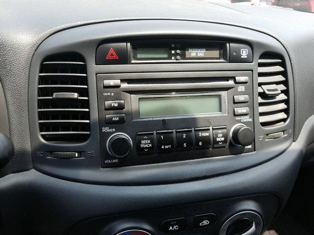... 2008 Hyundai Accent GS 2dr Car ...
