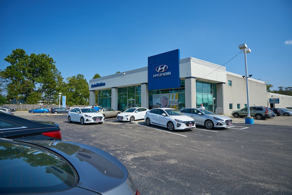 Exterior view of AutoNation Hyundai O'Hare  during the day