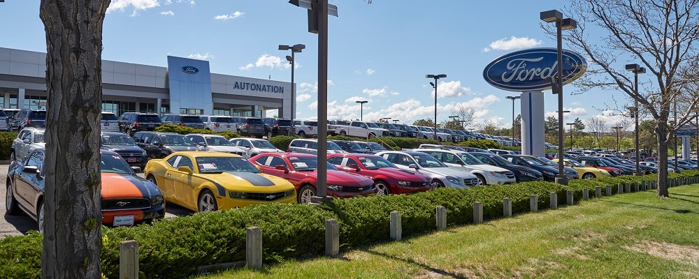 Outside view of AutoNation Ford Littleton