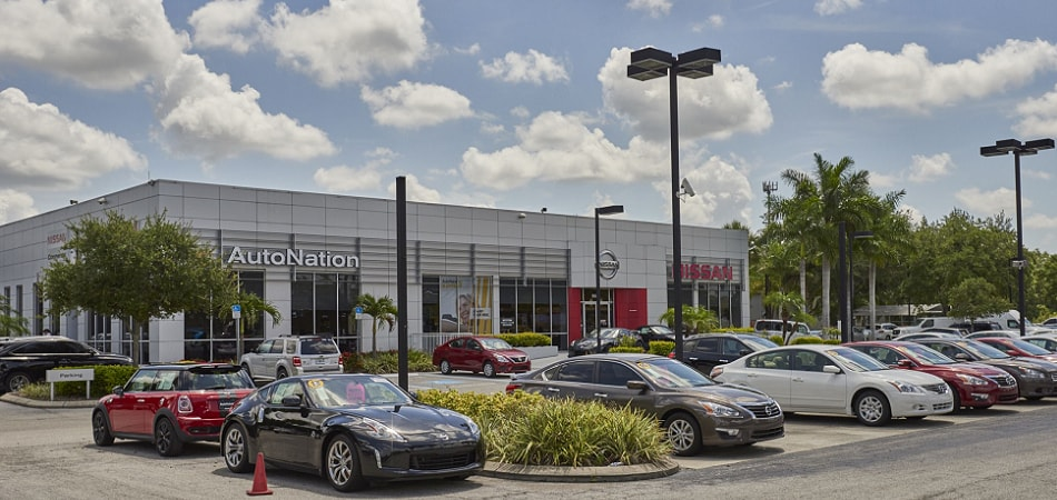 Exterior View Of Nissan Brandon Serving St. Petersburg