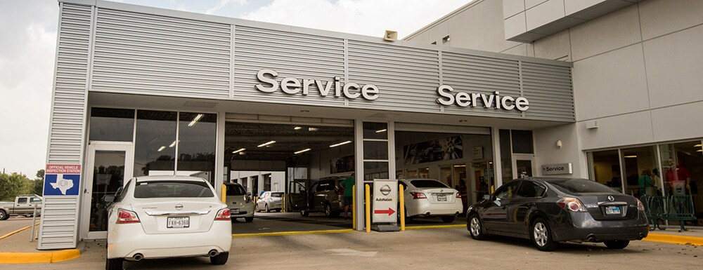 Exterior of AutoNation Nissan Lewisville Service Center