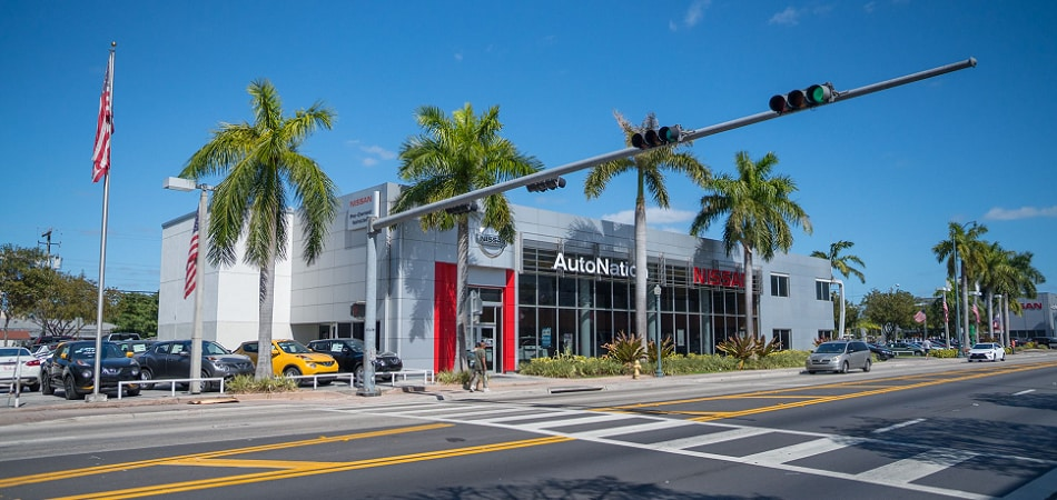 Exterior view of Nissan Miami Serving Hialeah