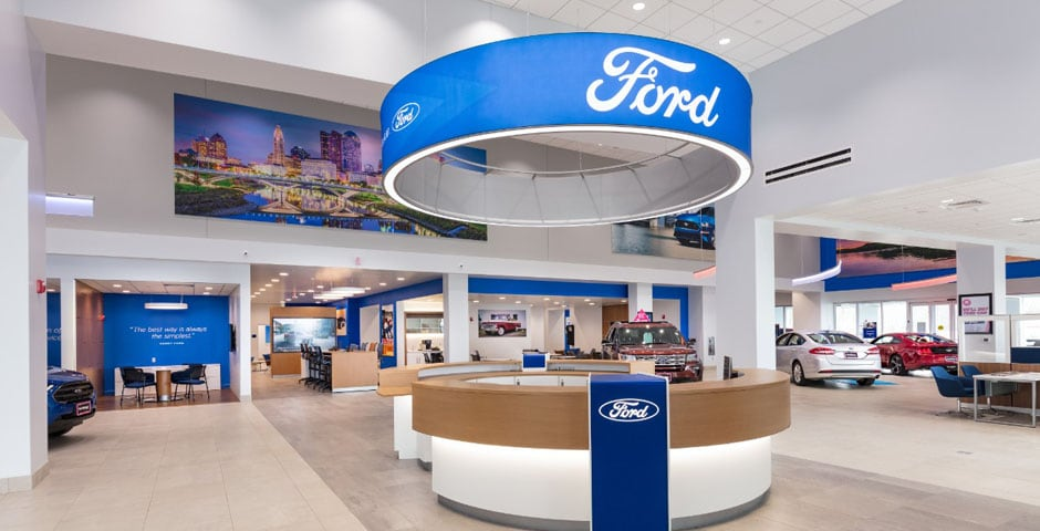 View of front desk at AutoNation Ford North Canton
