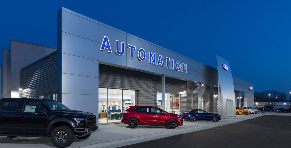 Exterior view of AutoNation Ford North Canton at night