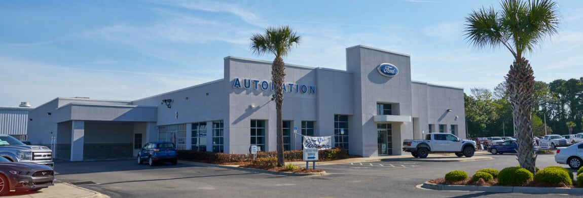 Exterior view of AutoNation Ford Panama City