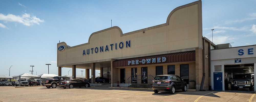 Outside view of AutoNation Ford South Fort Worth