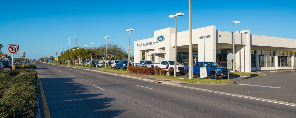 Outside view of AutoNation Ford St. Petersburg