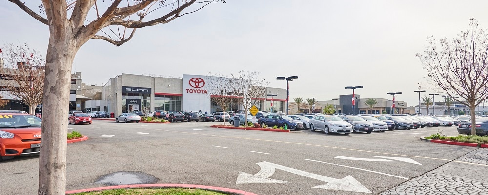 Exterior view of AutoNation Toyota Cerritos during the day