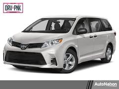 2020 Toyota Sienna LE Van