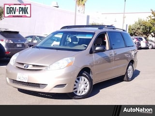 2006 Toyota Sienna LE w/8 Pass. Seating Van