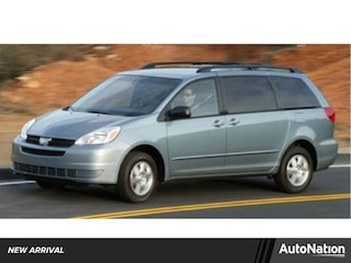 2005 Toyota Sienna LE w/8 Pass. Seating Van
