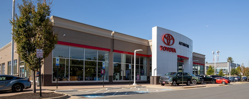 Outside view of AutoNation Toyota Leesburg