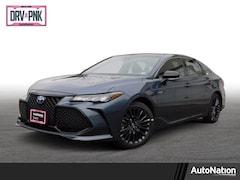 2019 Toyota Avalon Hybrid XSE Sedan