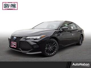 New 2019 Toyota Avalon Hybrid XSE Sedan