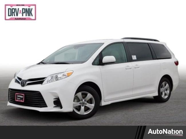 2019 Toyota Sienna LE Van