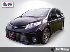 2020 Toyota Sienna XLE Van