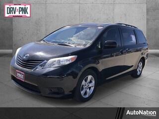 2017 Toyota Sienna LE 7 Passenger Auto Access Seat Van