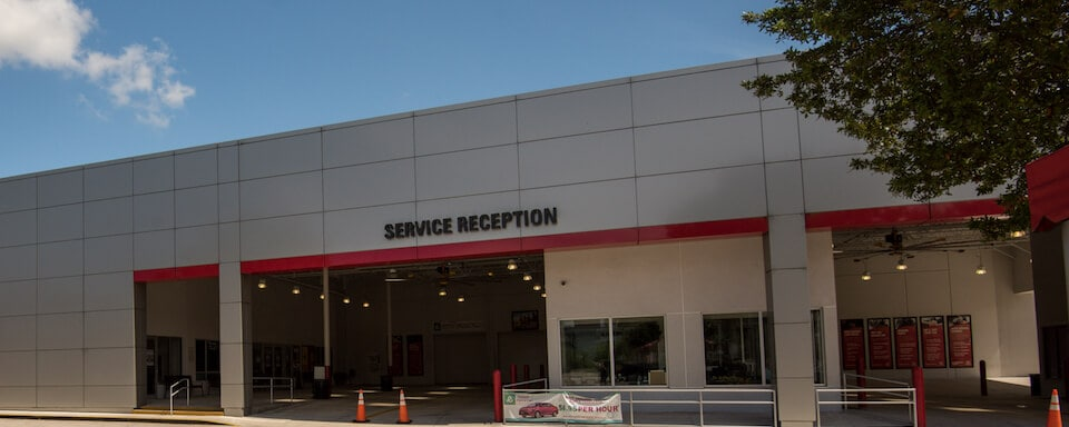 Exterior view of AutoNation Toyota Weston Service Center