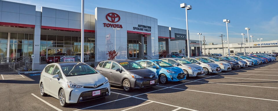 Exterior view of AutoNation Toyota Spokane Valley during the day