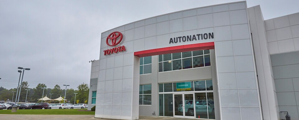 Exterior view of AutoNation Toyota Thornton Road during the day