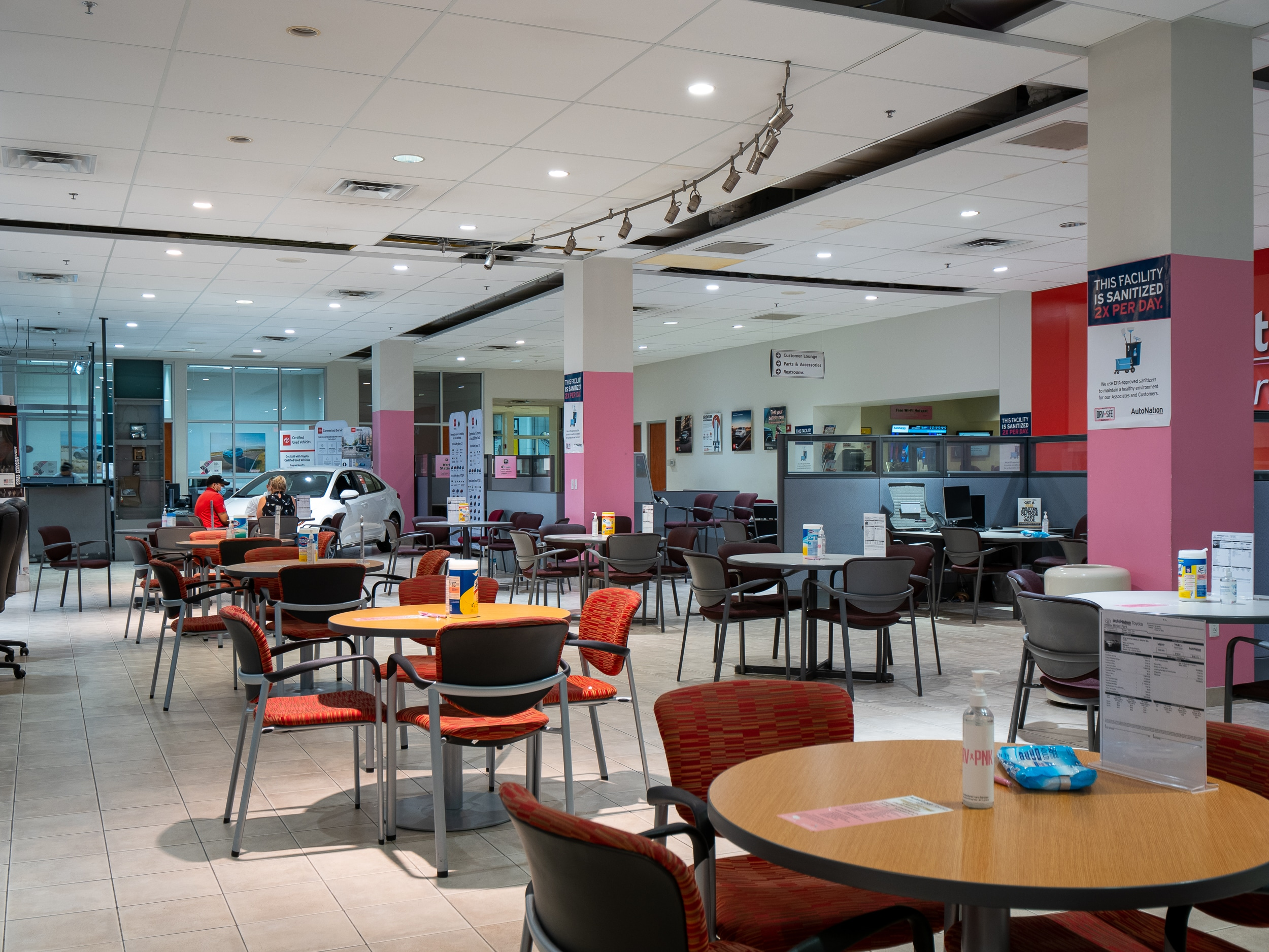 inside of AutoNation Toyota Winter Park Finance Center