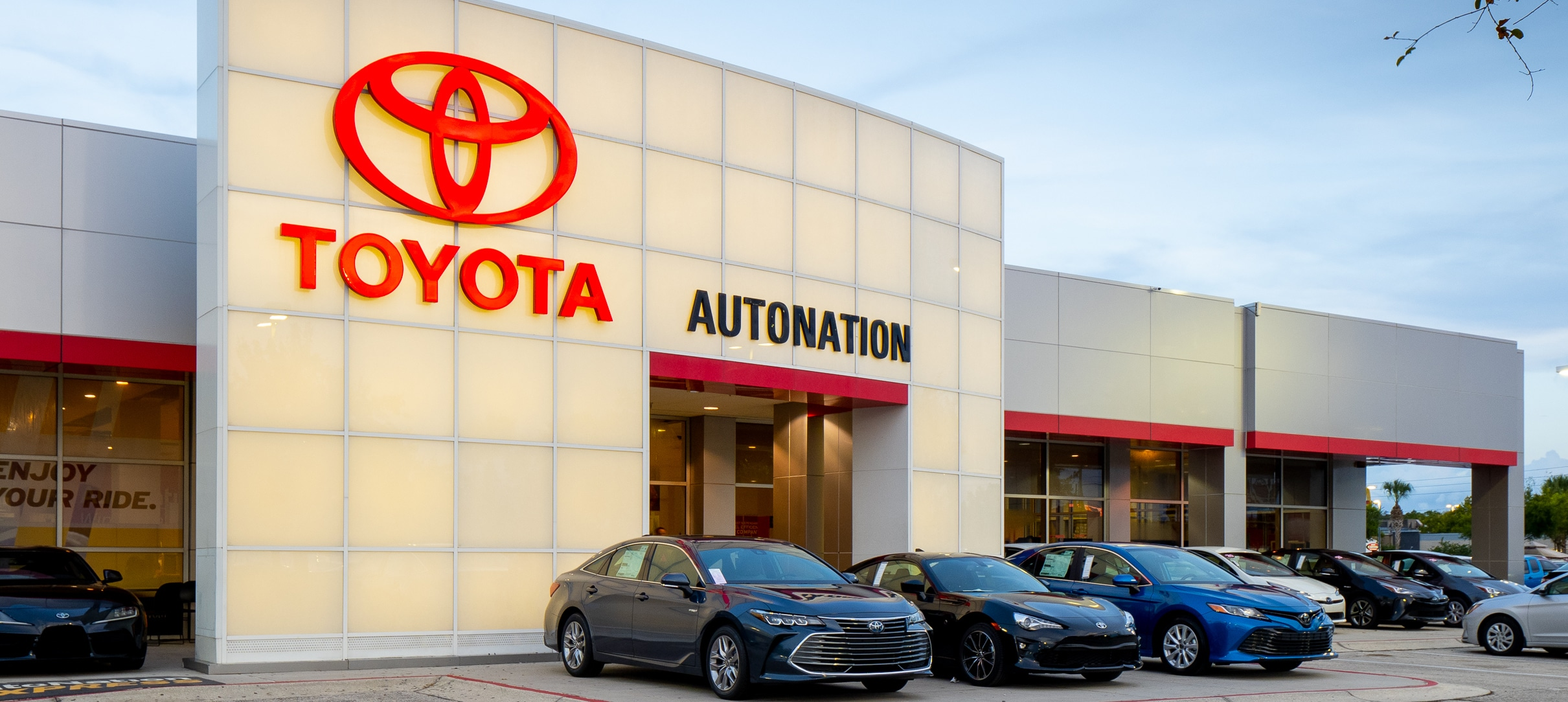 AutoNation Toyota Winter Park at dusk