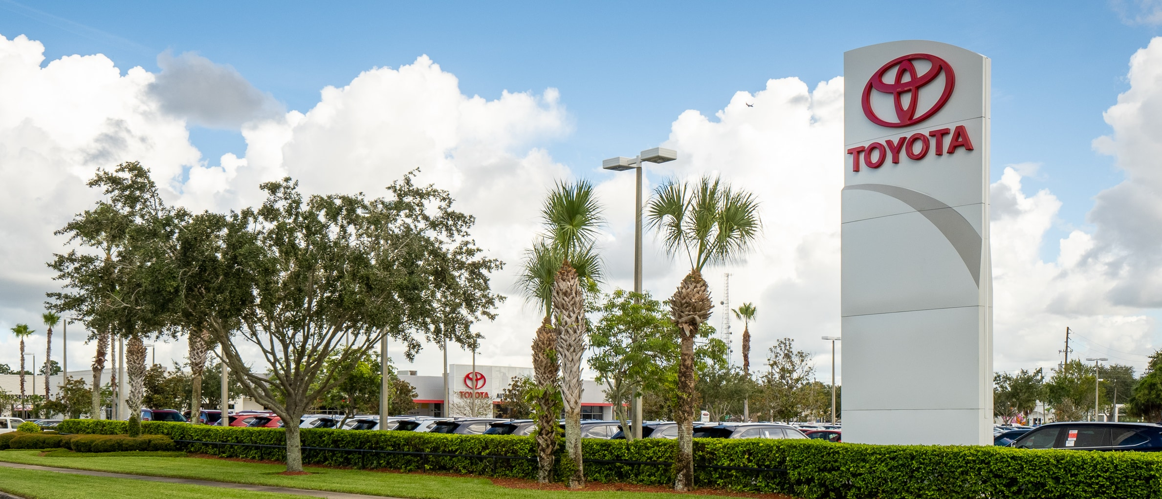 View of AutoNation Toyota Winter Park from the street
