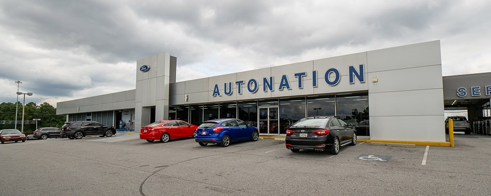 Outside view of AutoNation Ford Union City