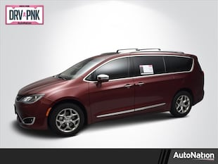 2017 Chrysler Pacifica Limited Mini-van Passenger
