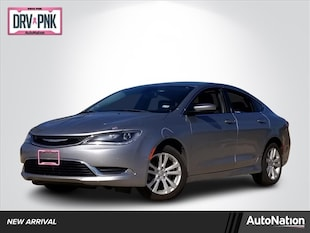 2015 Chrysler 200 Limited 4dr Car