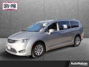 2018 Chrysler Pacifica Touring L Mini-van Passenger