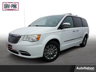 2014 Chrysler Town & Country Touring-L Mini-van Passenger